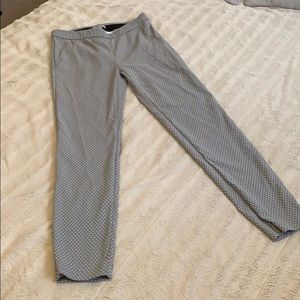 Great and white Polkadots skinny pants
